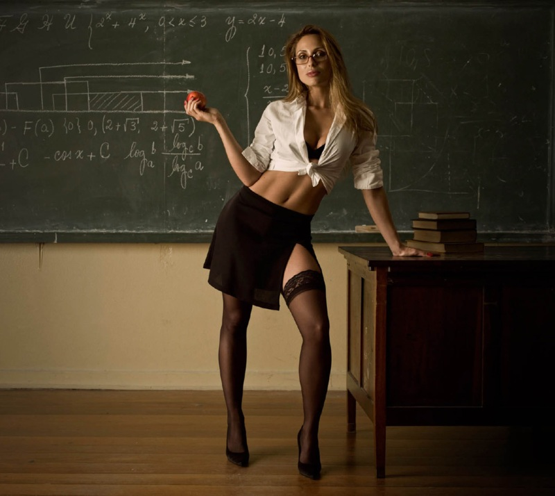 hot-teacher-2